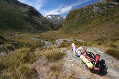 отдыхать гор hiker Стоковое Изображение RF