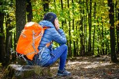 Отдыхать hiker женщины Стоковые Фото