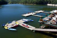 отдых озера стоковые изображения rf
