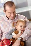 Отец и маленькая дочь стоковые фотографии rf