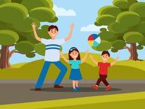 Отец при его дети играя в шарике Воссоздание семьи в парке Концепция отцовства деятельность напольная Голубое небо, большое иллюстрация штока