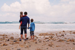 Отец, сын и дочь стоковая фотография rf