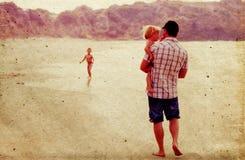 Отец с 2 детьми стоковые изображения rf
