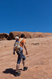 отец hiking сынок Стоковая Фотография RF