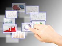 отжимать иконы руки кнопки бизнесмена Стоковая Фотография RF