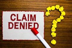 Отказанная заявка показа знака текста Схематическое фото спросило оплату возмещения для счета отказанное crum отметки белой бумаг стоковая фотография rf