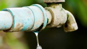 Отказы на faucet стоковое фото rf