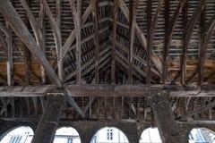 Откалывать Campden, Gloucestershire, Великобритания Своды, потолок и интерьер рынка Hall, исторического сдобренного здания стоковое изображение rf