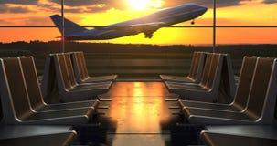 Отклонение самолета против сценарным увиденных заходом солнца до конца окон гостиной отклонения акции видеоматериалы