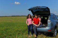 Отключение автомобиля семьи на каникуле лета Стоковые Изображения