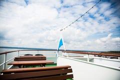 Отключение на баварских озерах с кораблем отклонения, корабль, распаровщик стоковые фото