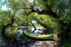 Открывать перепад Дуная с шлюпкой каное стоковые фото