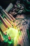 Открывать пятый вкус в волшебной лаборатории алхимика стоковые изображения rf