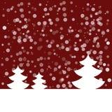 Открытка на счастливый Новый Год Ландшафт с елью и снежинками Белая ель на темноте - красной предпосылке также вектор иллюстрации Стоковые Фотографии RF