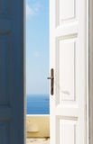 открытое море двери к Стоковые Фото