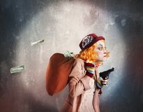 Открытый клоун пока разбойничающ Стоковые Изображения