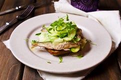 Открытый сандвич с рыбами Стоковая Фотография