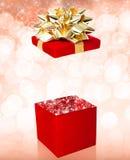 Открытый сюрприз подарочной коробки Стоковое Фото