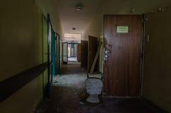 открыть двери в больнице Стоковая Фотография