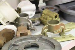 Отливки от сплавленный и нержавеющие стали Бросая металлы стоковое изображение