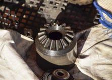 Отличающиеся колеса cog разобранные от линия привода автомобиля Стоковое Фото