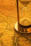 Отметчик времени песка и карта Бирма Стоковая Фотография