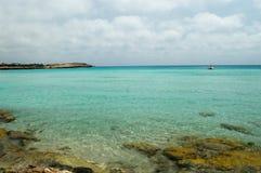 Отмелое море бирюзы Стоковая Фотография