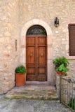 отнесенный дом фронта входа двери Стоковое Изображение
