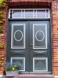 отнесенный дом фронта входа двери Стоковая Фотография