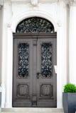 отнесенный дом фронта входа двери Стоковое Изображение RF