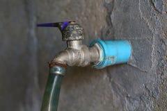 Отображайте для старого закрытого клапана воды, открытый, системы управления, вода Стоковое Изображение RF