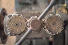 Отожмите на мастерской ` s silversmith Стоковые Изображения