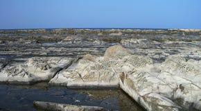 Отполированный скалистый пляж Ngapali берега стоковое изображение