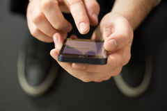 Отправка СМС Стоковые Фотографии RF