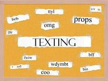 Отправляя СМС концепция слова Corkboard Стоковое Изображение