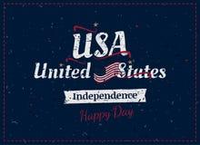 Отпразднуйте счастливое 4-ое -го июль - День независимости Винтажная ретро поздравительная открытка с флагом США и прежней тексту Стоковое Изображение