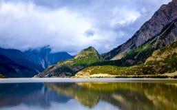 Отражение ландшафта пейзажа плато Стоковое Изображение