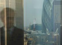 отражение бизнесмена Стоковые Изображения RF