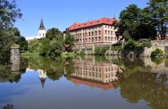 Отражение дворца Libochovice стоковое фото rf