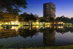 Отражение в университете Бангкока Стоковые Изображения RF