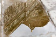 Отражение в Duomo Il лужицы, Флоренсе Стоковое Фото