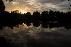 Отражение 01 захода солнца Стоковые Изображения