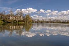 Отражение зеркала руин дворца Стоковые Изображения