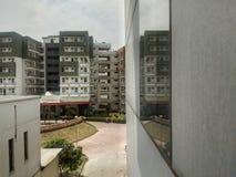 Отражение здания общежития Стоковое Изображение