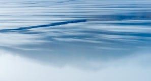 Отражение иллюзии озера стоковое изображение