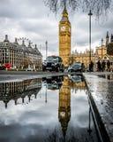 Отражение Лондон большого Бен Стоковая Фотография