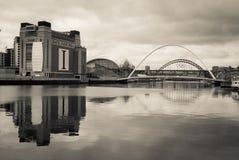 Отражение на River Tyne Ньюкасл Стоковые Фотографии RF