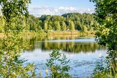 Отражение облаков в озере Стоковое Изображение