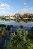 Отражение озера гор Стоковое Изображение RF