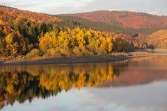 Отражение озера осен Стоковые Изображения